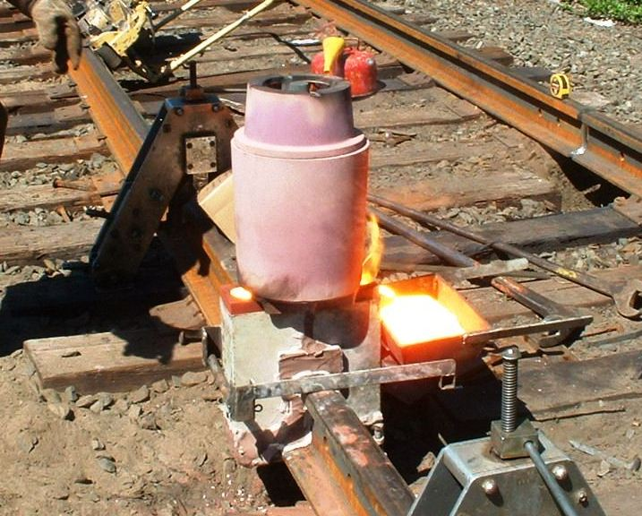 Safety Focus of the Week Exothermic Welding ECI - Engineers - thermite welding