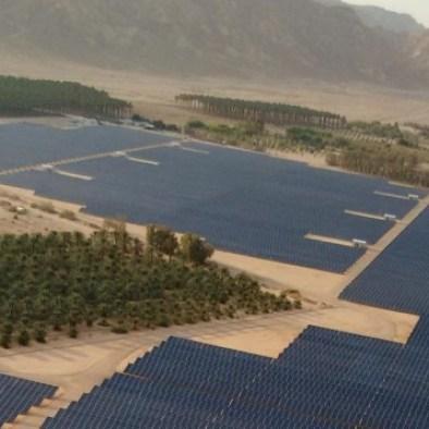 Vista aérea del campo solar de 40 megavatios de reciente construcción en el Kibutz Ketura, que proporciona la tercera parte de la electricidad durante el día para la ciudad de Eilat. (cortesía Gigawatt Global)