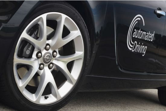 © GM Company | Für automatisiertes Fahren: Opel Insignia ausgestattet mit Lidar Sensoren, Fahrzeug-zu-Fahrzeug- und Fahrzeug-zu-Infrastruktur-Kommunikation