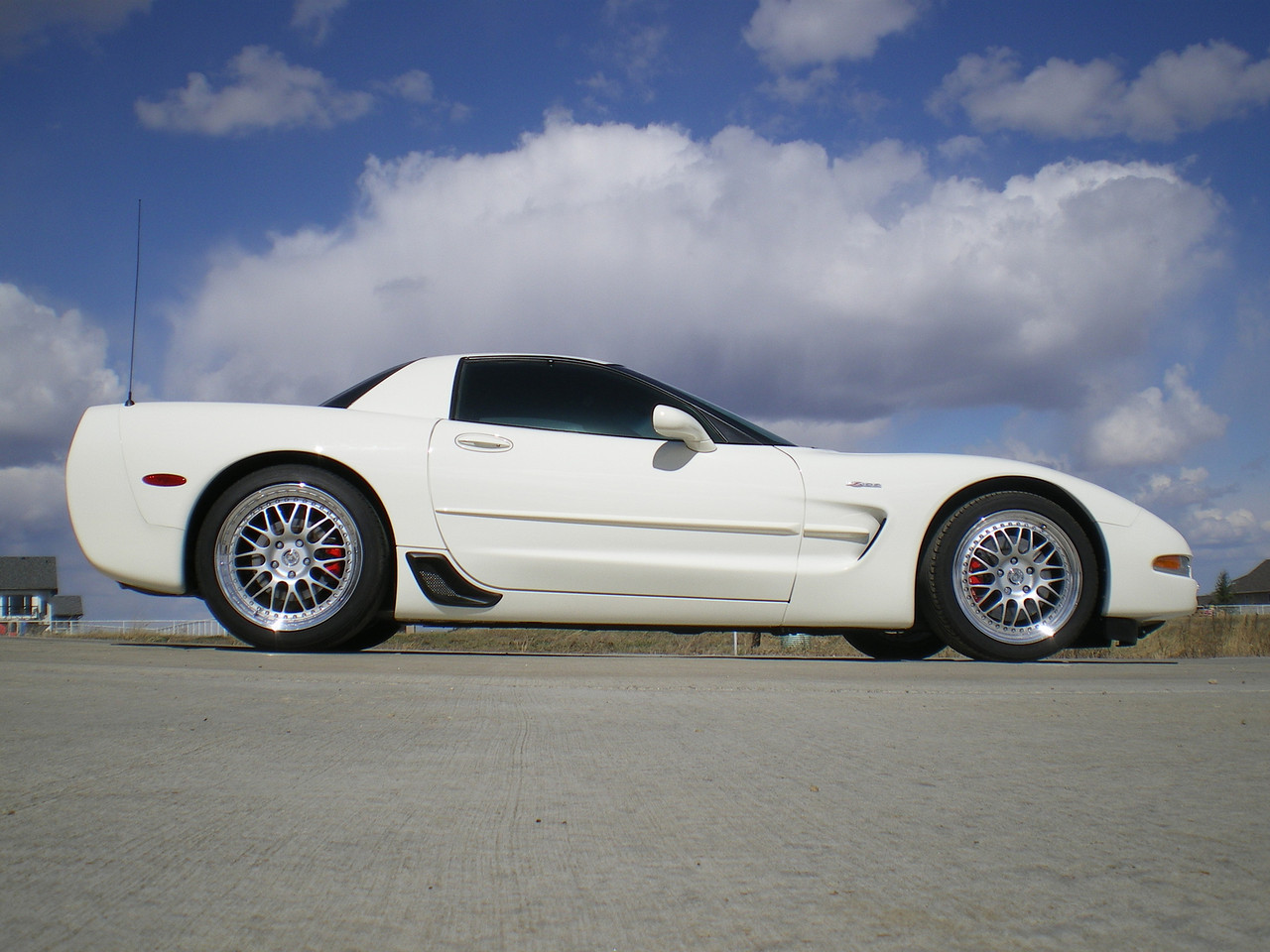 Speedway White C5 Z06 – 800hp Supercharged 20k Miles