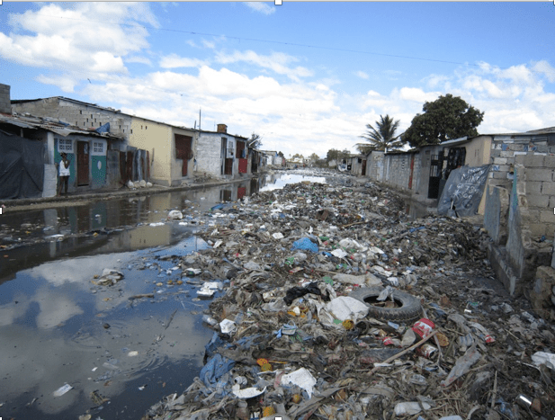 Today in Haiti, only 25% of people have access to a toilet - meaning people are forced to go to the bathroom outside or in urban areas, in a plastic bag, which often times gets disposed of in a canal or an empty lot.