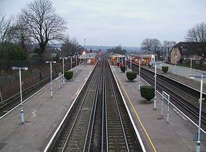 English: South Croydon station looking south f...