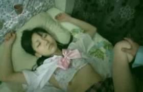 家出掲示板に潜む恐怖・・制服ガール2人を眠剤で眠らせれいつまでもレ●プ撮影する反抗映像・・