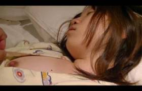 【個人撮影・素人・高画質】ホテル従業員が睡眠薬を飲ませ侵入w写真まで持ち出した問題映像・・