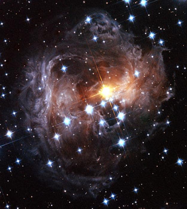 Evolution Hd Wallpaper Latest Views Of The V838 Monocerotis Light Echo From