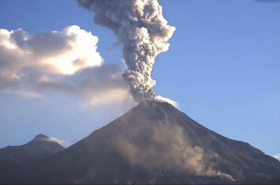 Space in Images - 2016 - 10 - Colima volcano