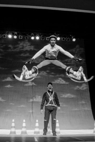 Trupe Circus - Somos salto.