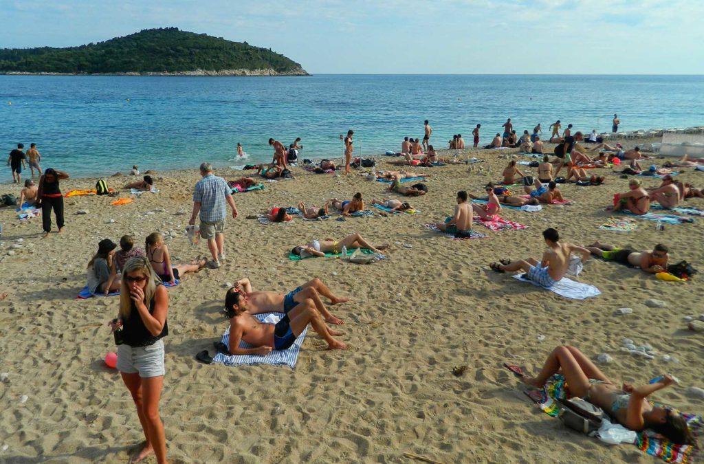 Verão na Europa pode ser roubada - Praia Banje (Croácia)