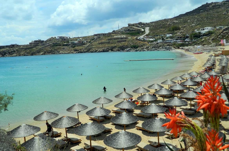 Praias mais bonitas da Europa - Super Paradise (Grécia)