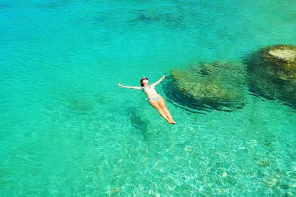 Praias mais bonitas da Europa - Anthony Quinn's Bay (Grécia)