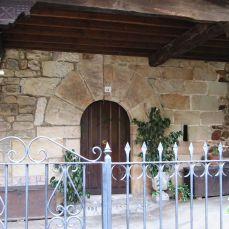Puerta de casa llana renancentista