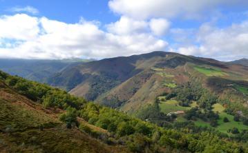 Panorámica: Braña de La Frechilla (1125 m)