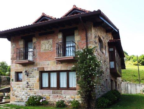 """Casa Rural """"La Rigera de Ginio"""""""