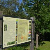 Panel informativo del Parque Natural Saja Besaya en el Área Recreativa de Llano Castrillo