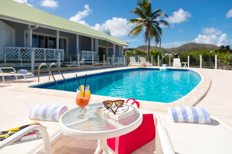 esmeralda-sxm-pool-and-villa
