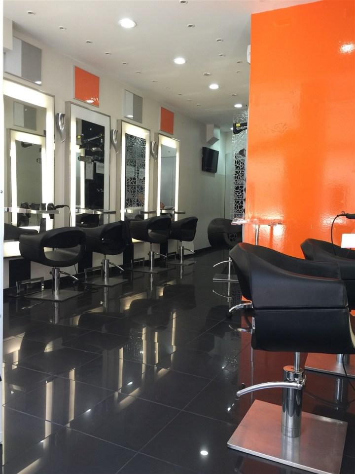 Salon de coiffure pour homme l 39 espagne lyon for Achat salon de coiffure lyon
