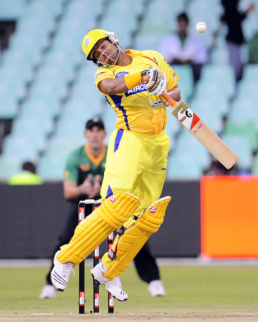 Super Hd Wallpapers Suresh Raina Gets Out Of The Way Of A Bouncer Cricket