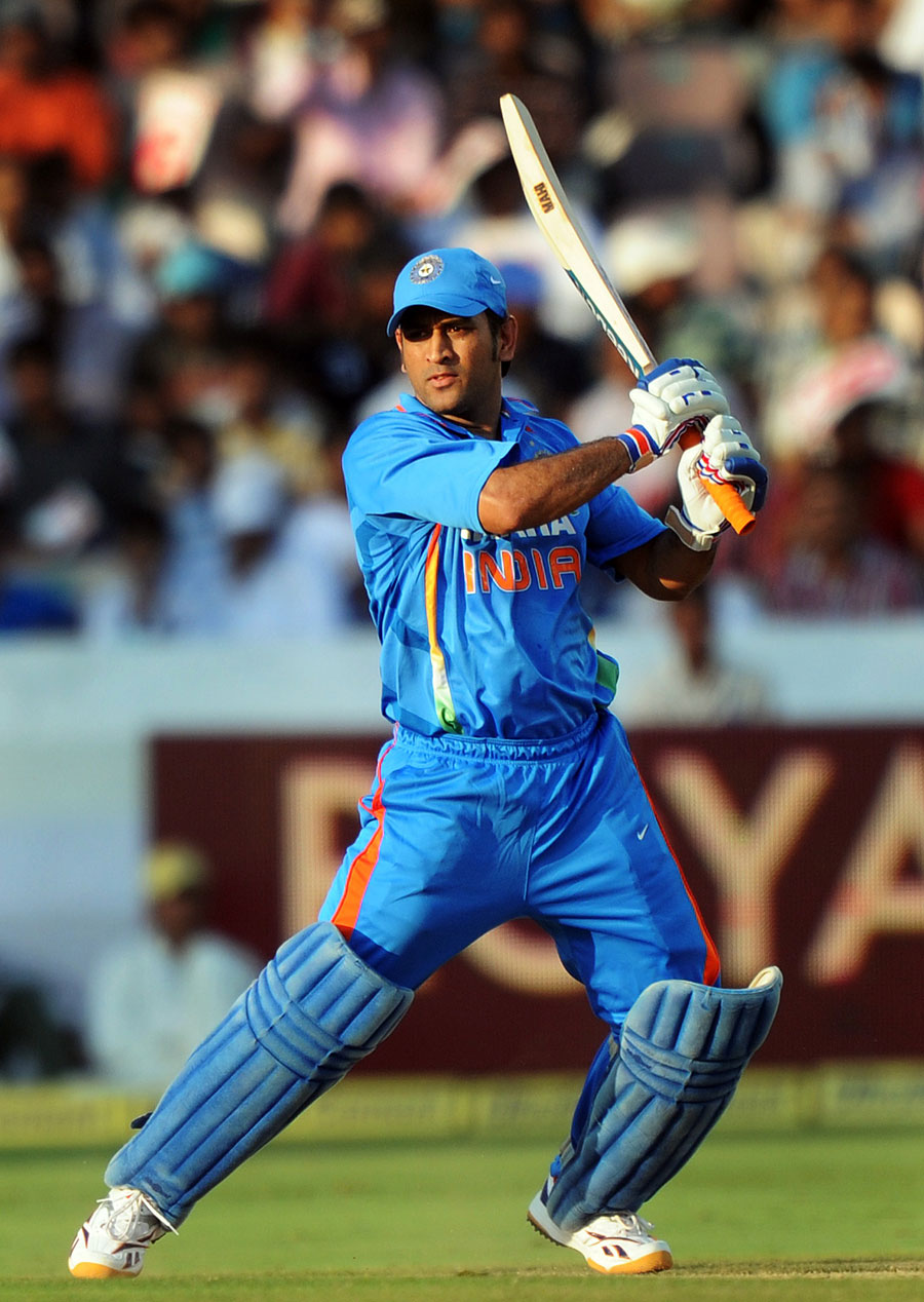 Rahul Dravid Quotes Wallpaper Ms Dhoni Powered India Towards A Strong Total Cricket