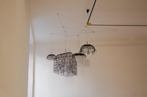 """Andrea Bianconi, Traps for Clouds, installazione formata da 11 gabbie, dimensioni variabili, 2013, veduta della mostra """"Love Me Tender"""", La Giarina Arte Contemporanea, Verona - Courtesy l'artista e La Giarina"""