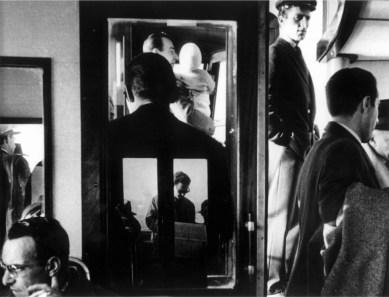 Gianni Berengo Gardin, Venezia 1960, Sul vaporetto © Gianni Berengo Gardin/Contrasto