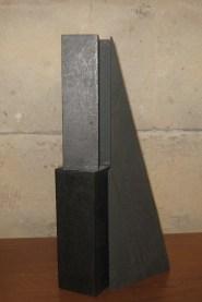 Giuseppe Uncini, Ombra di parallelepipedo, 1987, cemento laminato, legno e grafite
