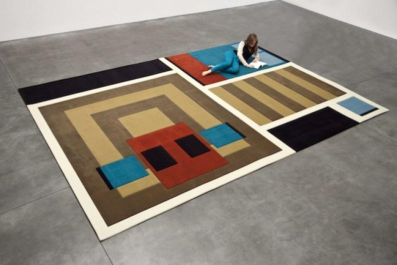 Andrea Zittel, A-Z Carpet Furniture, 2012. Soft Pictures, Fondazione Sandretto Re Rebaudengo, Torino. Foto: Giorgio Perottino