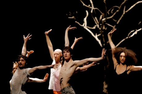 Emio Greco PC (2011), La Commedia, coreografia e regia di Emio Greco e Pieter C. Scholten. ∏ Jean Pierre Maurin. Courtesy ICKamsterdam