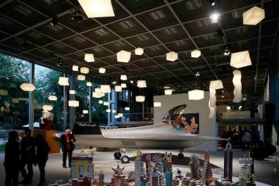 View of the exhibition Vivid Memories, May 10 – September 21, 2014, Fondation Cartier pour l'art contemporain, Paris, Photo: Thomas Salva / Lumento, Collection IN-EI, design Issey Miyake pour Artemide ©MUYARD & FAUCHA