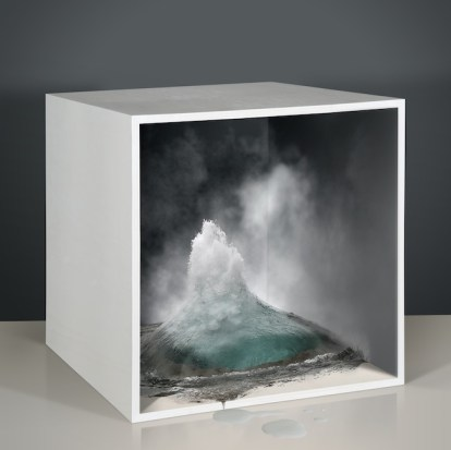 Empty spaces 4, 2014, stampa digitale su carta cotoneHahnemühle, cornice verniciata e foglie d'argento,cm 85x85, tiratura di 3