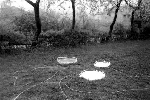 Franco Guerzoni, Pozze d'acqua, 1969, specchi e luce al neon misure variabili Foto di Luigi Ghirri e Franco Guerzoni Courtesy Archivio Guerzoni