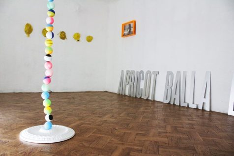 L'esprit de l'escalier, veduta d'insieme con le opere di Kristian Sturi, Spela Volcic