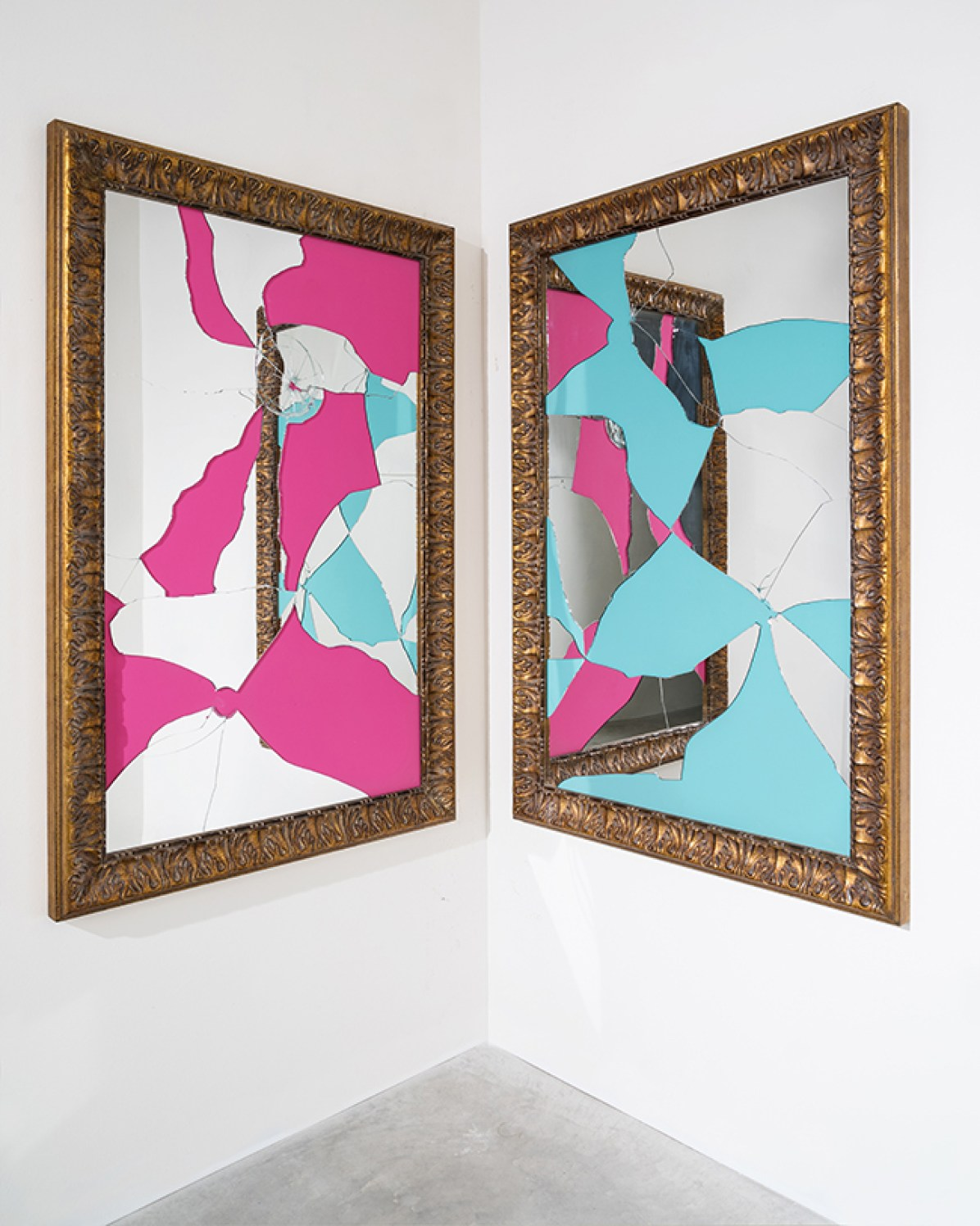 Michelangelo Pistoletto Two Less One colored 2014 specchio, legno dorato 2 elementi, 150 x 110 cm ciascuno 2014 mirror, gilded wood 2 elements, 150 x 110 cm each Courtesy: GALLERIA CONTINUA, San Gimignano / Beijing / Les Moulins / Habana Photo by: Ela Bialkowska