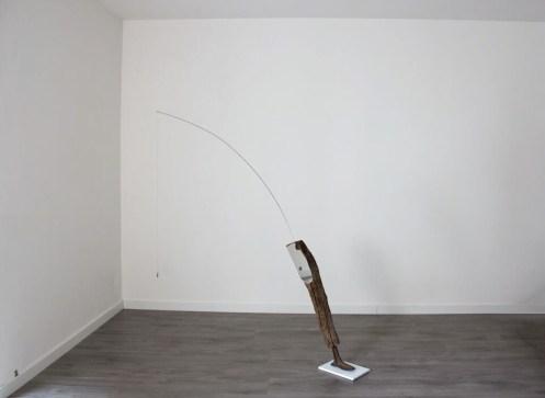 Christian Fogarolli, A tree like leg, 2014, legno, metallo, specchio, ceramica, 200x250x30 cm