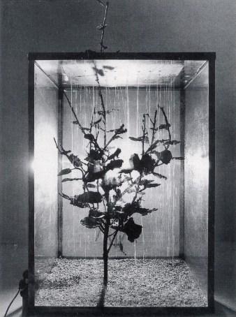Alik Cavaliere, E venne la pioggia, 1068, bronzo, acciaio, alluminio, cristallo, sassi, acqua, 150x100x70 cm