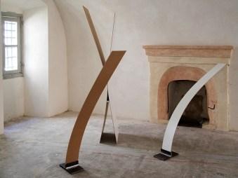 Luca Piovaccari, Calligrafie di spazio leggero, 2009, MDF da 0.4 mm e ferro, installazione di dimensioni variabili Courtesy l'artista Foto Andrea Repetto