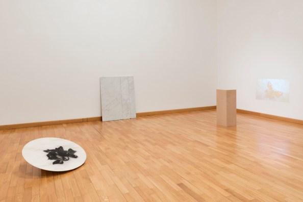 Claudia Losi. Asking Shelter, veduta della mostra, Galleria Monica De Cardenas, Milano