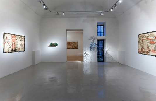 "Simone Pellegrini - Jorge Mayet. Arriaca. ""Ambos somos estranjeros en esta tierra"", veduta della mostra, Montoro12 Contemporary Art, Roma Courtesy Montoro12 Contemporary Art Foto Yamina Tavani"