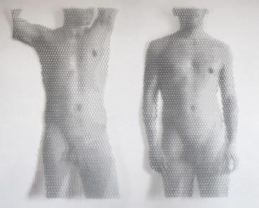 Giorgio Tentolini, Miracolo Segreto (1 e 2), 2017, serie di 2, rete metallica a maglia esagonale intagliata a mano e sovrapposta a fondale bianco, 125x70 cm circa ciascuna