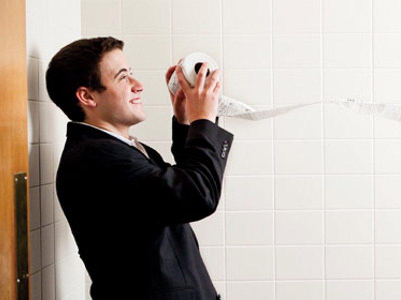 bryan-silverman-star-toilet-paper-college1