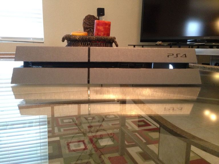 playstation-4-in-brushed-steel-DN0QD