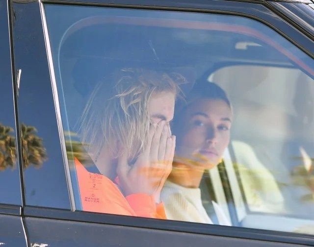Justin Bieber Appears to Be Crying in His Car as Hailey Baldwin Looks On | Entertainment Tonight
