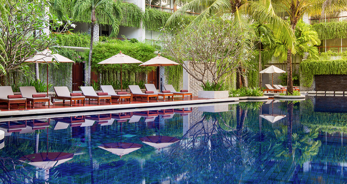 The Chava Resort Review Etsy Explores