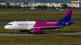 Wizz Air Airbus A320-200. Photo by Gyrostat Wikimedia Commons.