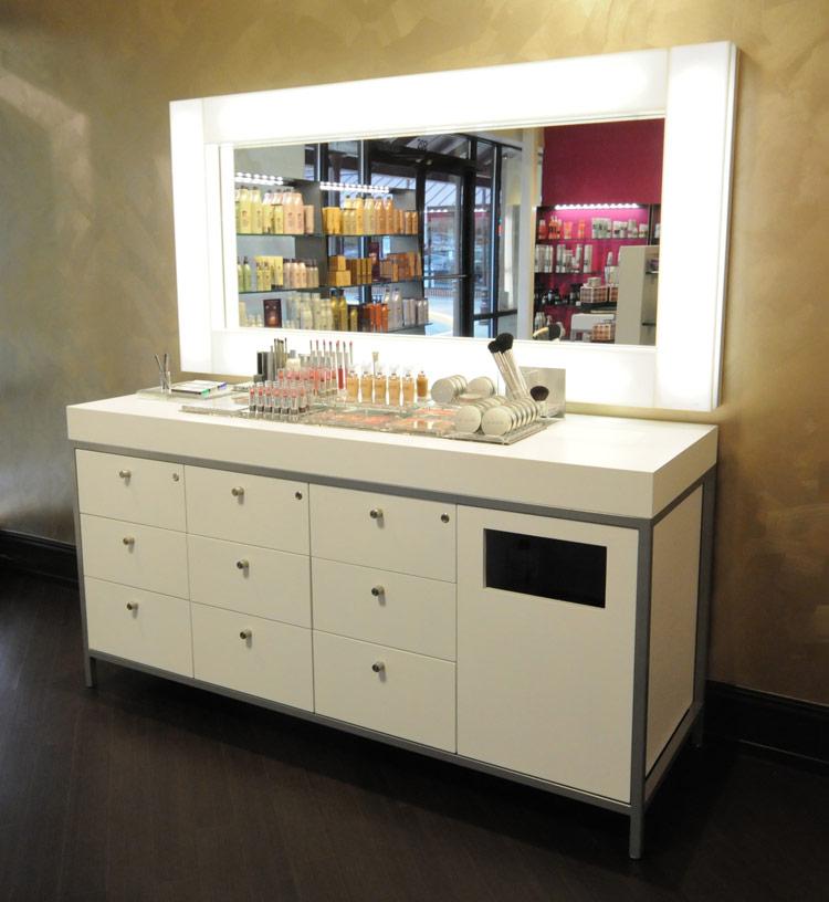 Vega Make Up Mirror : Salon Space : Salon Make Up Furniture
