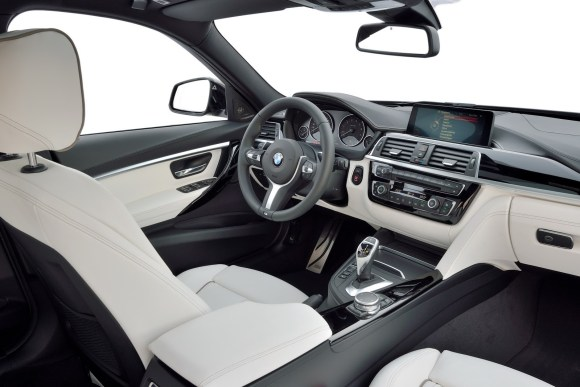 2016-BMW-3-Series-LCI26