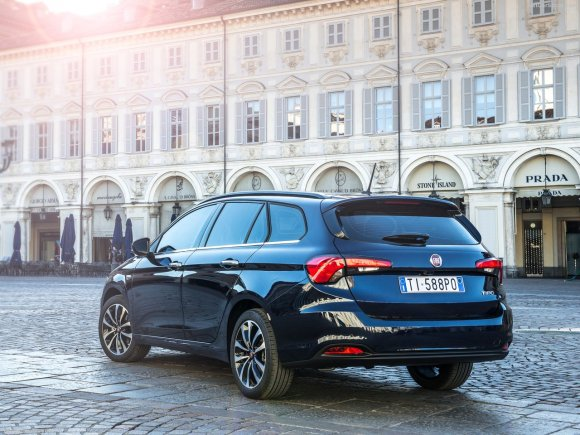 Fiat-Tipo_Station_Wagon-2017-1280-06