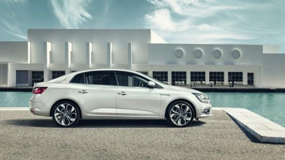 2017-renault-megane-sedan (4)