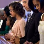 Obamas Praying