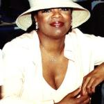 oprah(2010-white-hat-big)