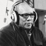 quincy_jones(2010-b&amp;w-akg-headphones-med)